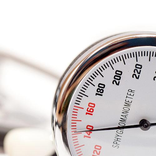 Blutdruck- und Gewichtskontrolle